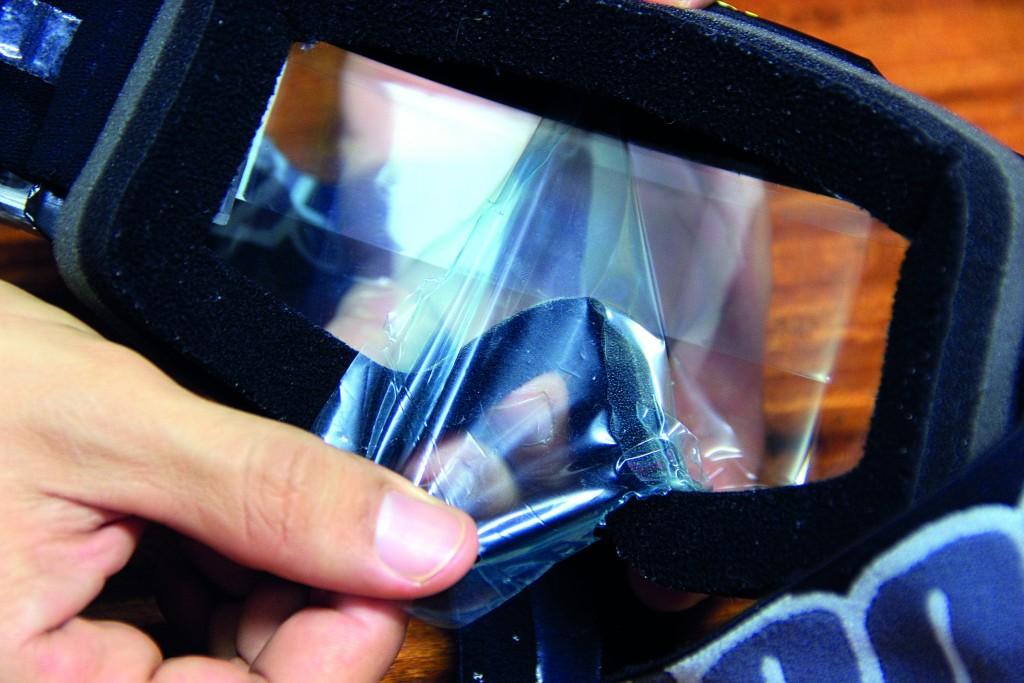 10.ดึงพลาสติกกันรอยด้านในออกก็เป็นอันพร้อมใช้